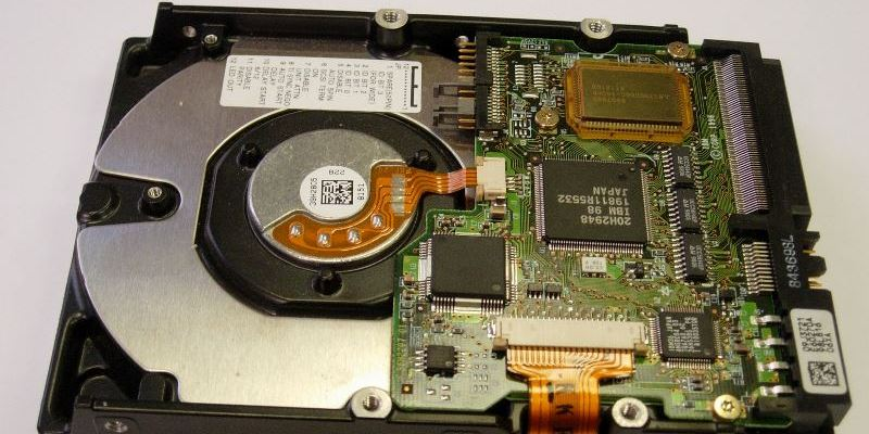 Выясняем количество установленных жестких дисков